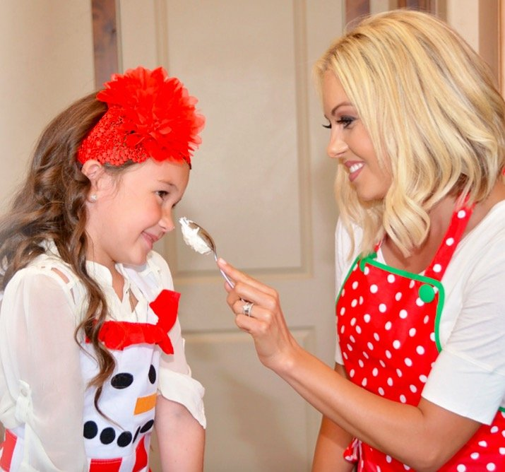 Mother Daughter Matching Holiday Flirty Aprons, Mother Daughter Kitchen Fun