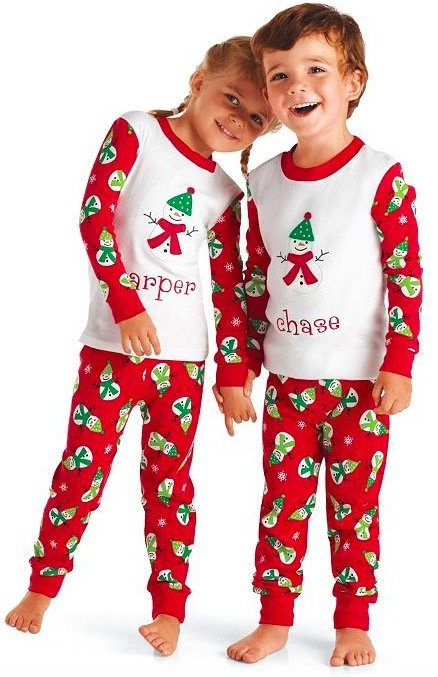 Holiday Matching Family Pajamas | MomMeMatch.com