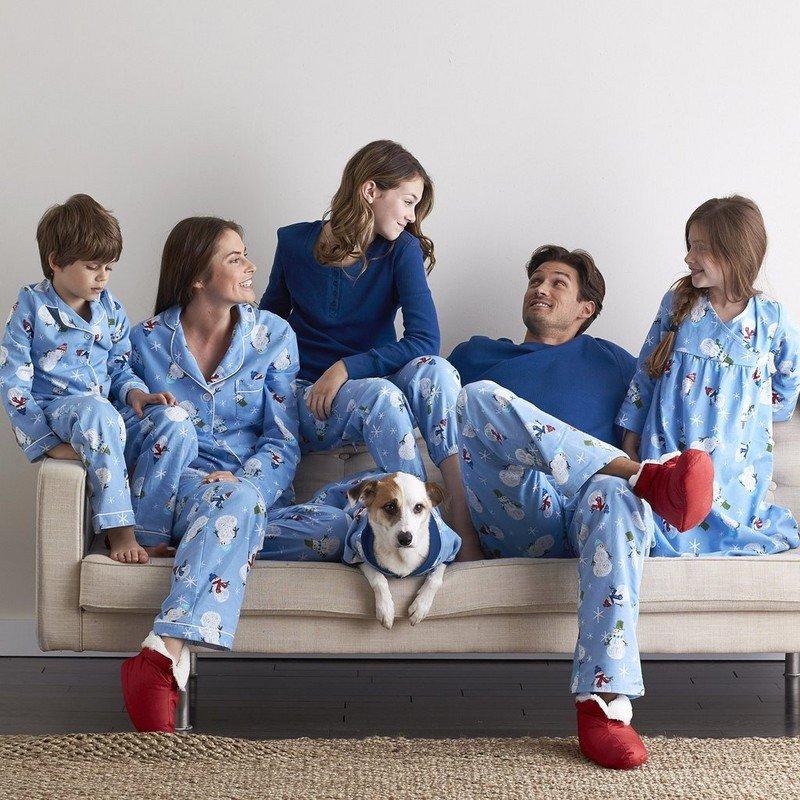 Family Matching Winter Pajamas – Let It Snow