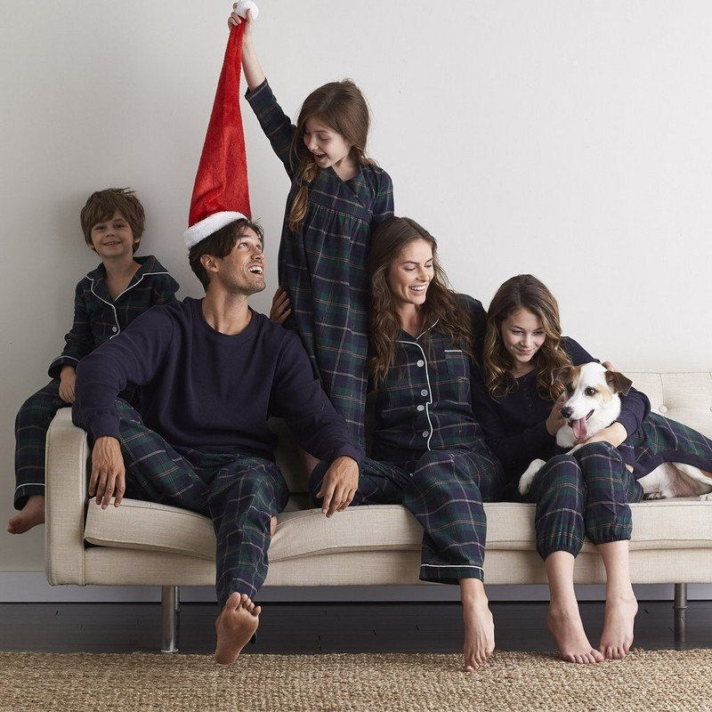 Family Matching Winter Pajamas – Ski House Plaid