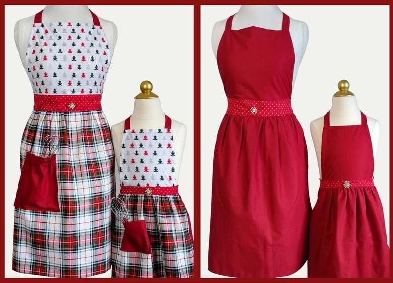 Mommy andMe Reversible Christmas Aprons