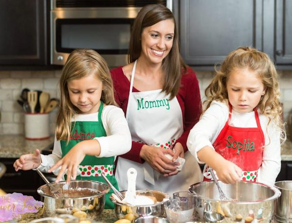 Mom & Me Christmas Aprons